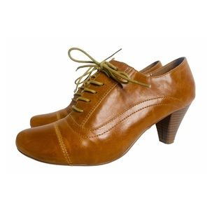 Call it Spring Granny Lace Up Heel Oxfords Tan 10